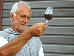 Roy Cook - Gründer und Self-taught Winemaker von Bevor es zu dieser Blüte kam, gab es im 20. Jahrhundert jedoch eine Lücke von mehr alsSedlescombe Organic Vineyard